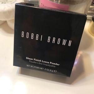 Bobbi brown sheer loose powder